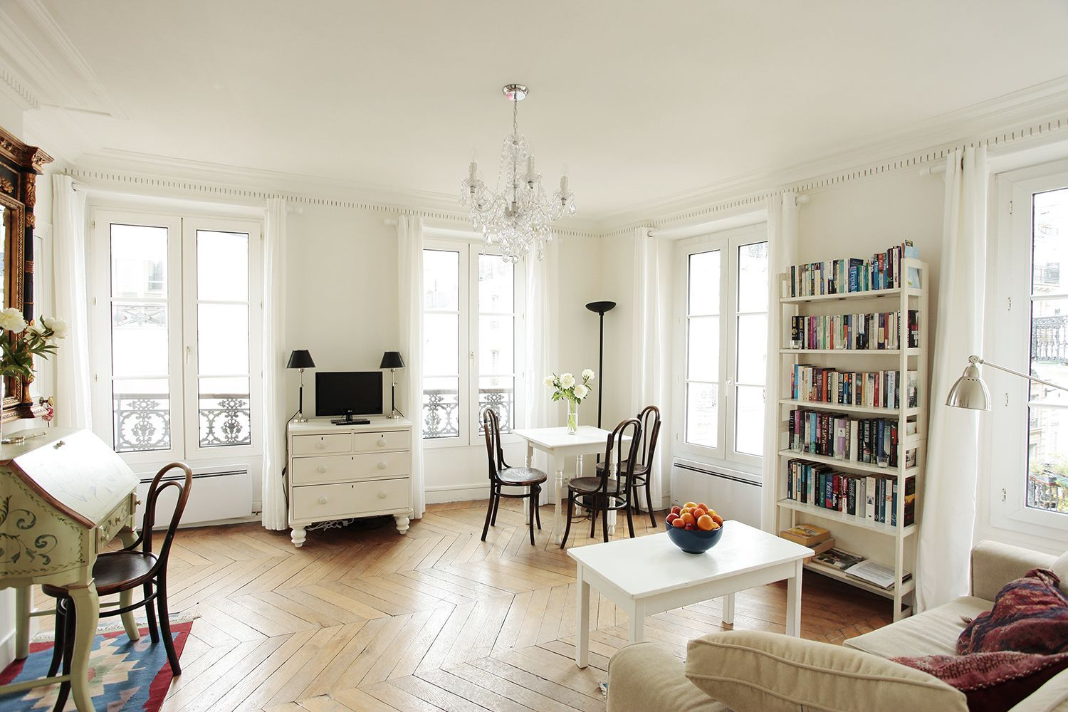 Perfectly paris vacation apartments one bedroom apartments for Appart hotel 5eme arrondissement paris